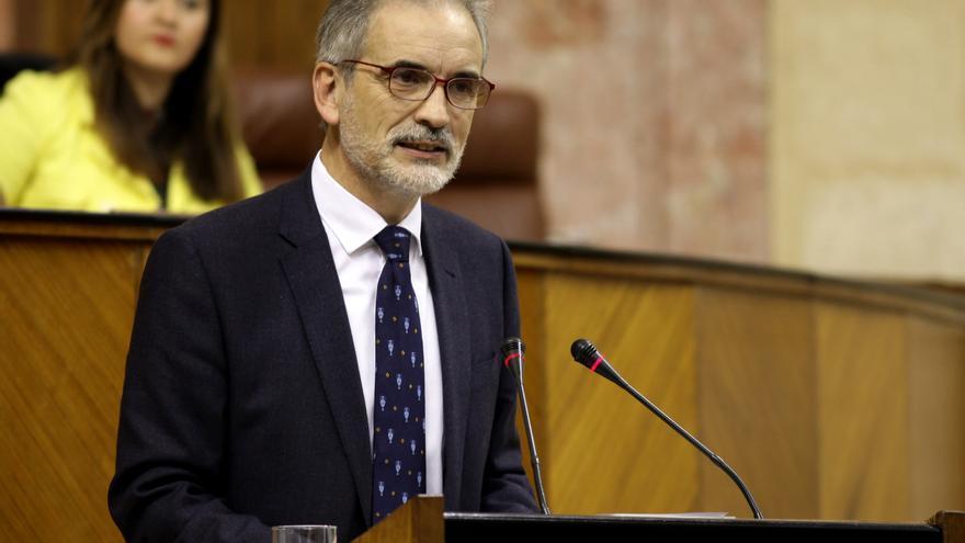 El consejero Aquilino Alonso en el debate sobre sanidad pública del 15 de febrero de 2017.