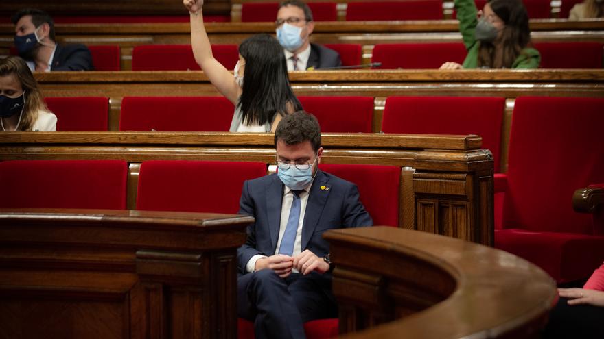 El president de la Generalitat, Pere Aragonès, en un Pleno en el Parlament de Catalunya, a 22 de julio de 2021, en Barcelona, Catalunya (España). La sesión de hoy es una continuación de las de ayer y el martes 20. En el pleno de este miércoles el Govern d