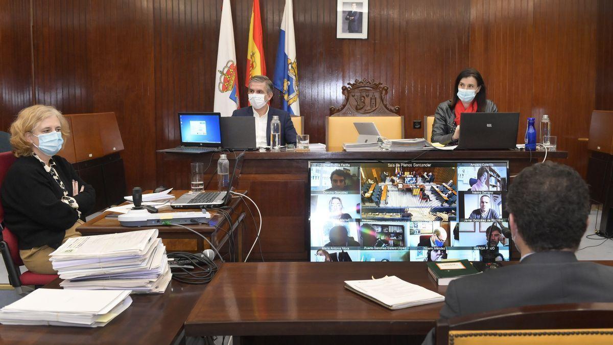 Celebración de un pleno de Santander de forma telemática.