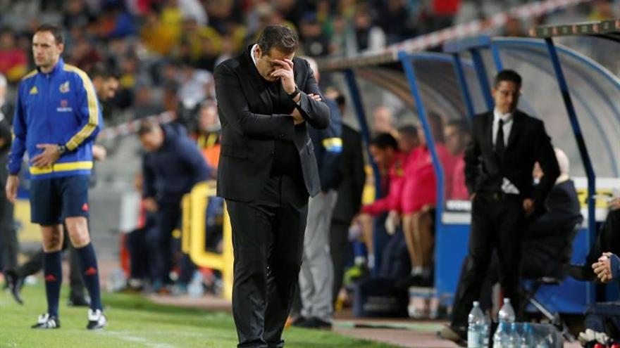 El entrenador de la UD Las Palmas Quique Setién en el partido de la decimoséptima jornada de Liga en Primera División frente al Granada en el estadio de Gran Canaria.