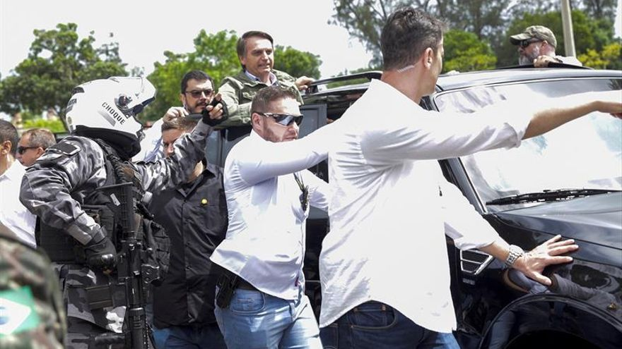 Bolsonaro llega a su colegio electoral entre fuertes medidas de seguridad