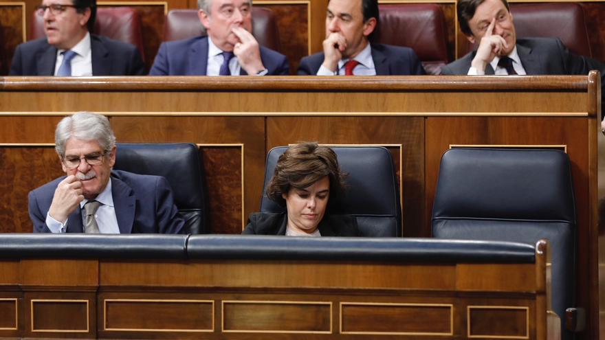 Bancada del Gobierno durante la moción de censura, sin Rajoy