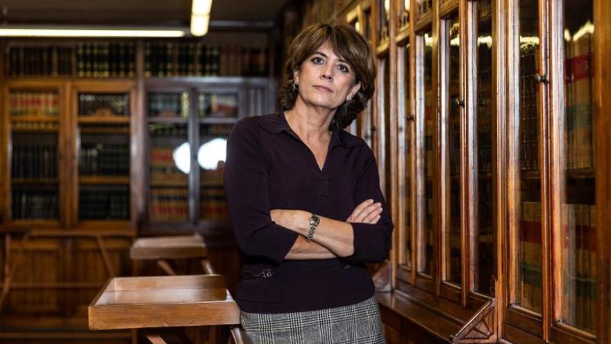 Dolores Delgado reingresa al servicio activo en la carrera fiscal