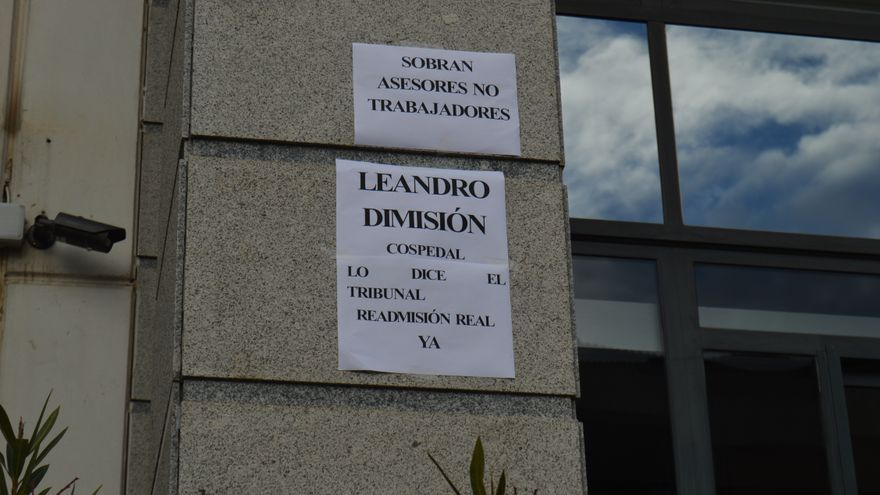 Cartel contra Leandro Esteban de interinos en Castilla-La Mancha / Foto: Javier Robla