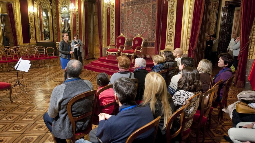 Un millar de personas se han inscrito en las visitas guiadas al Palacio de Navarra