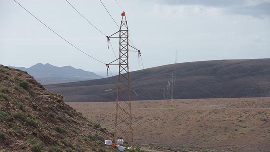 Torres de alta tensión en Fuerteventura