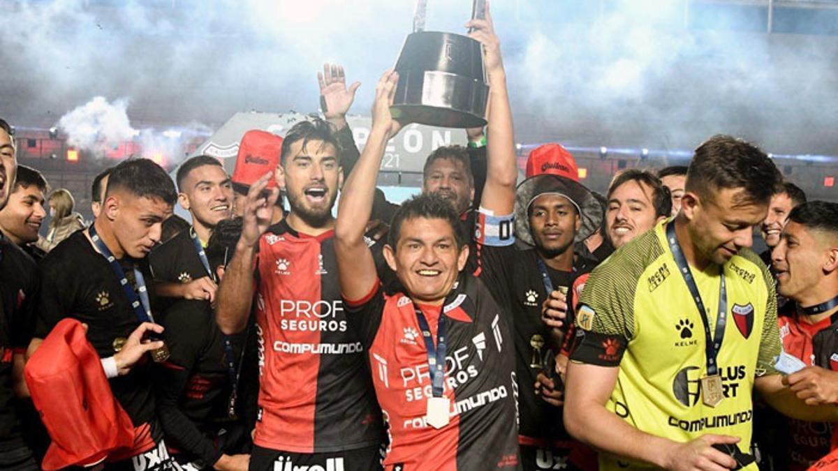 Colón de Santa Fe se consagró campeón el 4 de junio.