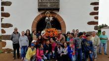 Imagen  de archivo de San Antonio del Monte,  realizada en 2017, con grupo de fieles  facilitada por el Ayuntamiento de Garafía
