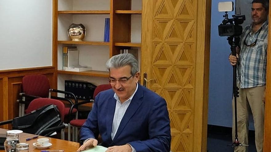 Román Rodríguez, vicepresidente del Gobierno de Canarias y  consejero de Hacienda, Presupuestos y Asuntos Europeos.