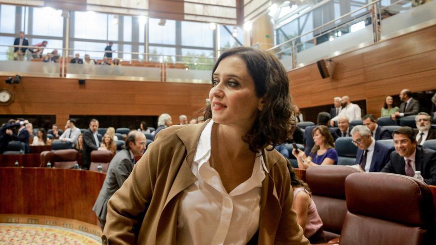 """Ayuso critica que la Ley de Memoria Histórica solo """"piensa en una parte de los españoles"""" y que cuestiona la Transición"""