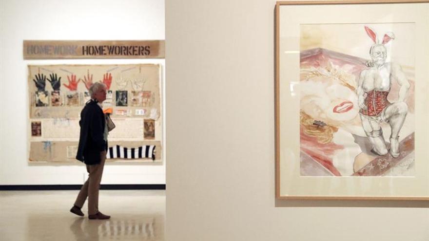 Bilbao dedica una retrospectiva a Margaret Harrison, leyenda del arte feminista