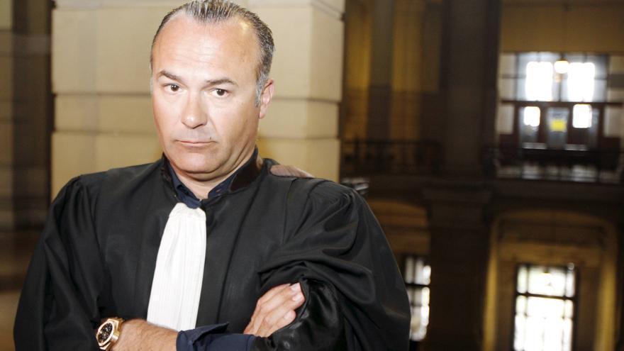 Olivier Martins, abogado de Fayçal Cheffou, el supuesto el tercer terrorista de los atentados de Bruselas, puesto en libertad por falta de pruebas. Maury GOLINI/EFE