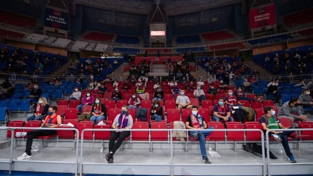 Público en un partido de la Euroliga del Baskonia contra el Real Madrid el pasado otoño