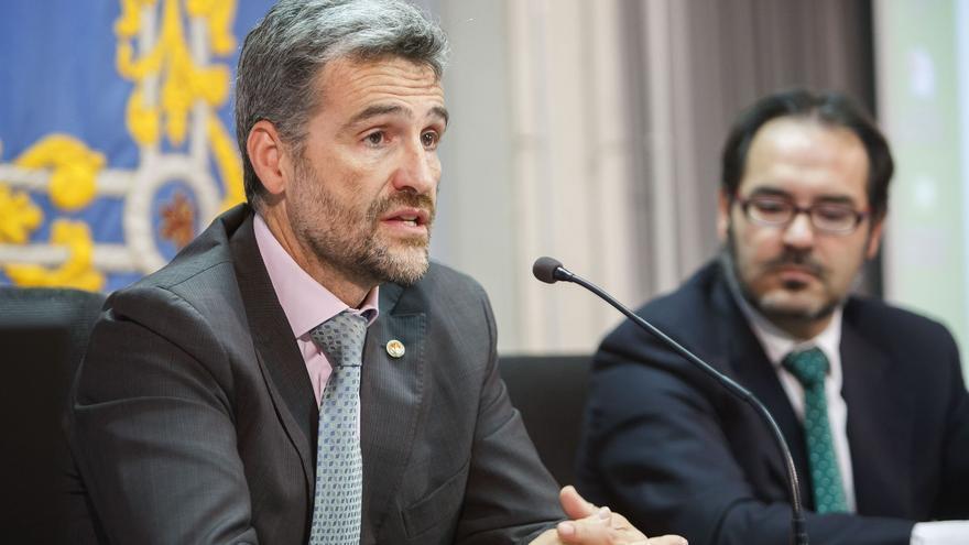 Alfonso Carlosena, durante una presentación en la UPNA / Foto: cedida.
