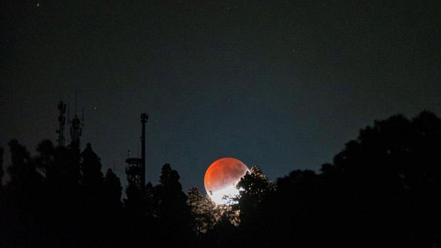 Eclipse de Luna visto desde Canarias