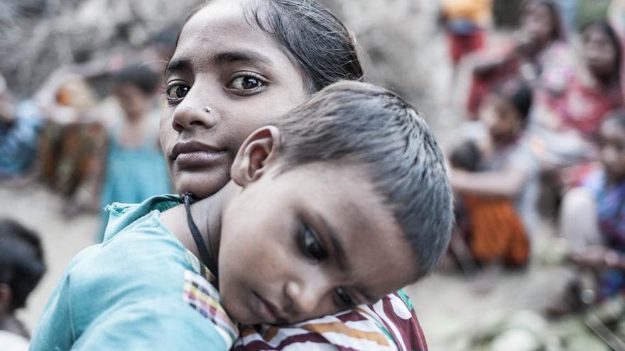 Jyoti y su hermana. Varanasi (India), 2013. Foto: Juan Luis Sánchez.