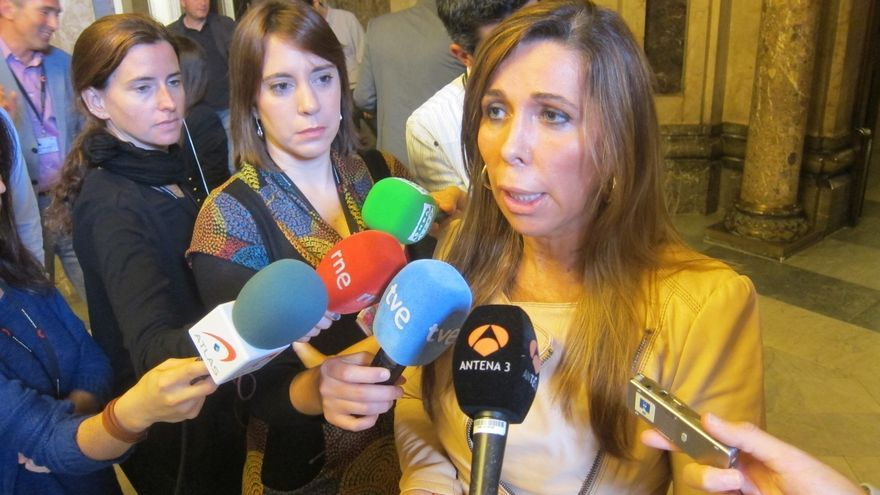 "Camacho cree que CiU ""da largas"" a ERC porque sabe que no se celebrará la consulta"