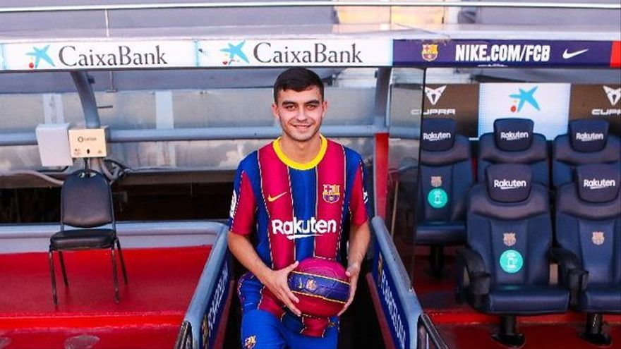 Pedri, duodécimo tinerfeño que debuta en el Barcelona