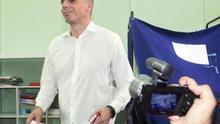 """Varufakis tiende la mano a la troika para retomar las negociaciones pero con el ultimátum """"de vuelta"""""""
