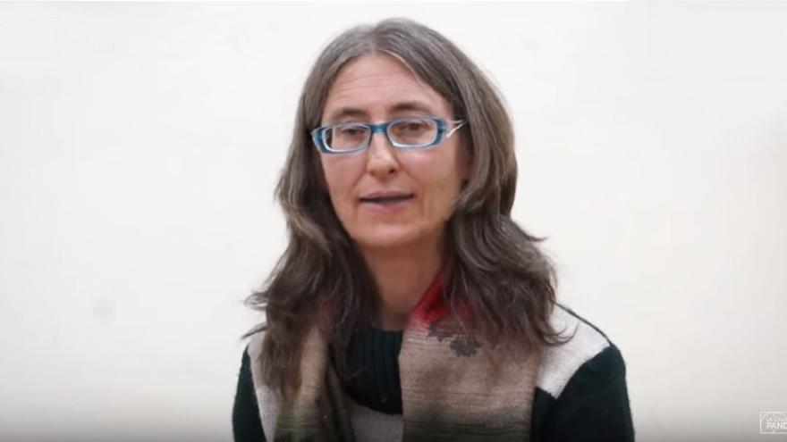 Captura de un vídeo de Youtube de una entrevista a Isabel Bellostas.
