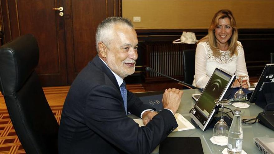 Comienza el Consejo de Gobierno en el que Griñán presentará la dimisión