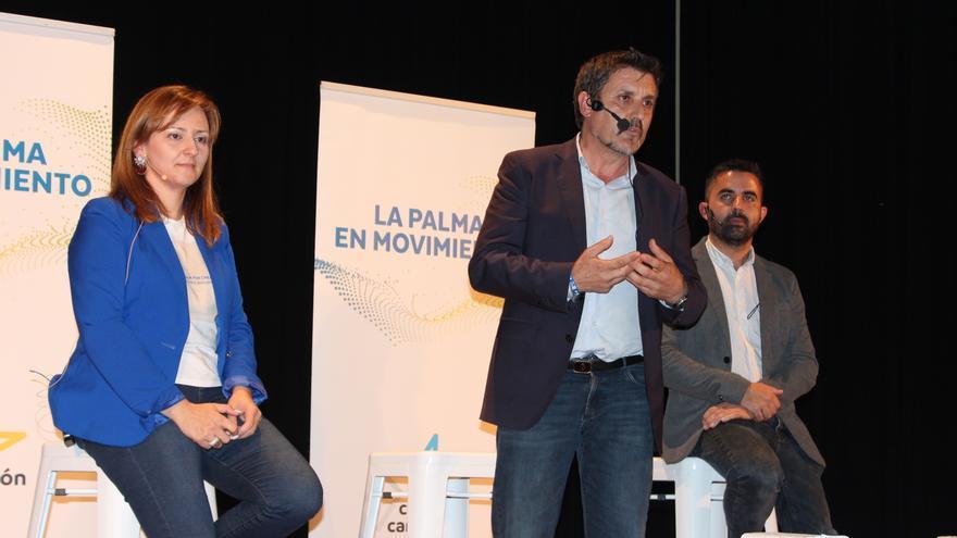 Martín Taño, con Nieves Lady Barreto y Onán Cruz, este viernes, durante el acto de presentación de su candidatura a la Alcaldía de Garafía.