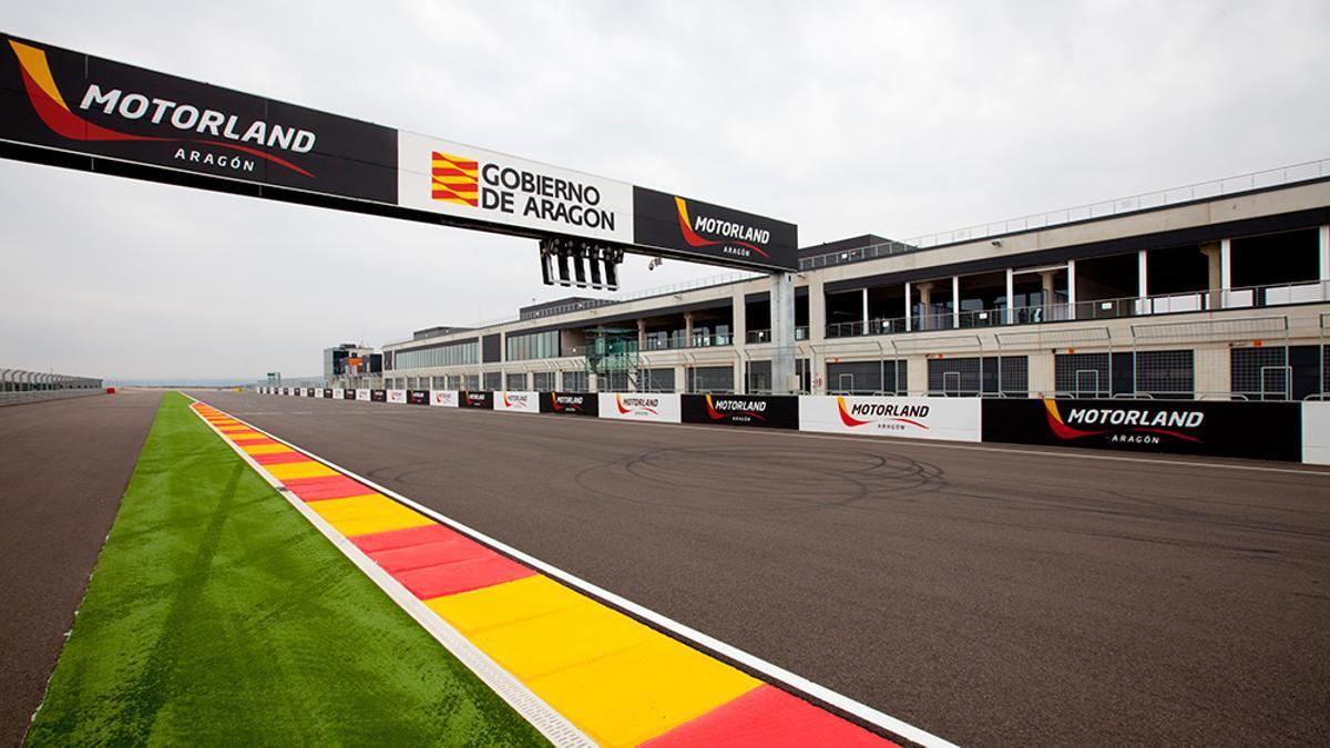 Motorland comenzó a ser utilizado como escenario de las económicamente ruinosas carreras de Moto GP en septiembre de 2010.