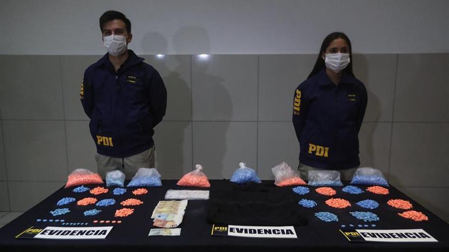 Detienen a una española con más de 9.000 dosis de éxtasis en un aeropuerto chileno