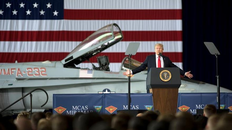 Trump en un discurso en una base militar de San Diego, California, el 13 de marzo.
