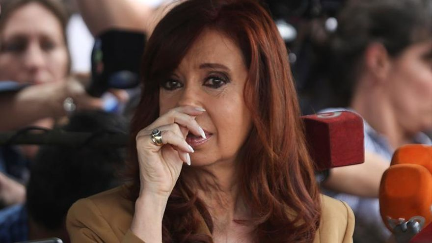 """Juez argentino cita bajo """"apercibimiento"""" a la expresidenta Fernández"""