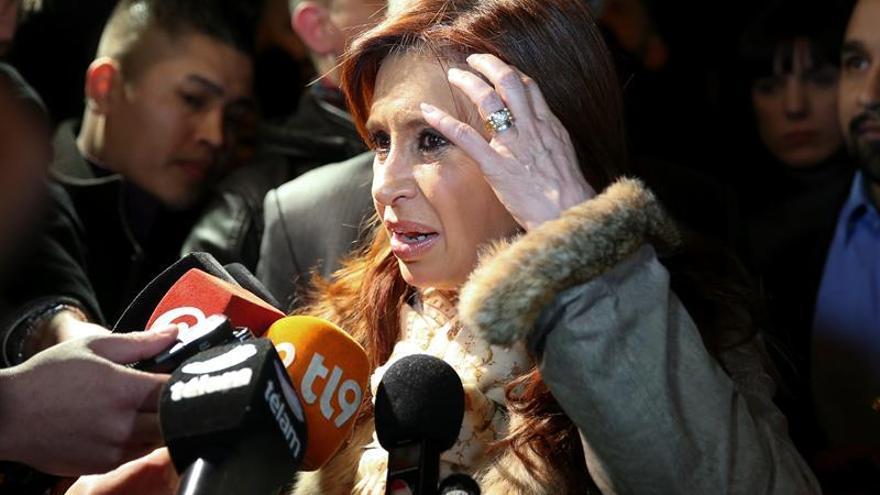 Un juez procesa a Fernández por presunto lavado y prohíbe su salida de Argentina