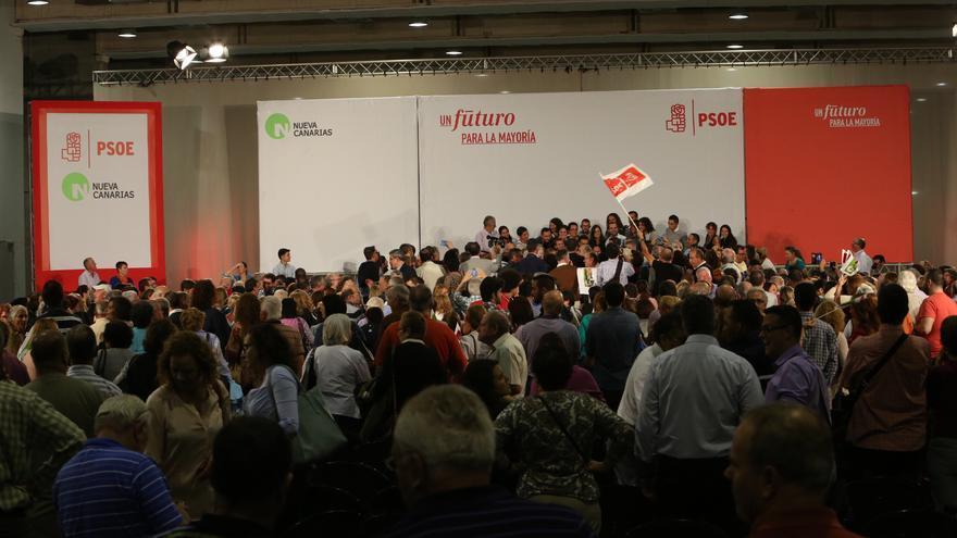 Unas 1.500 personas asistieron a ver a Pedro Sánchez al Gran Canaria Arena.