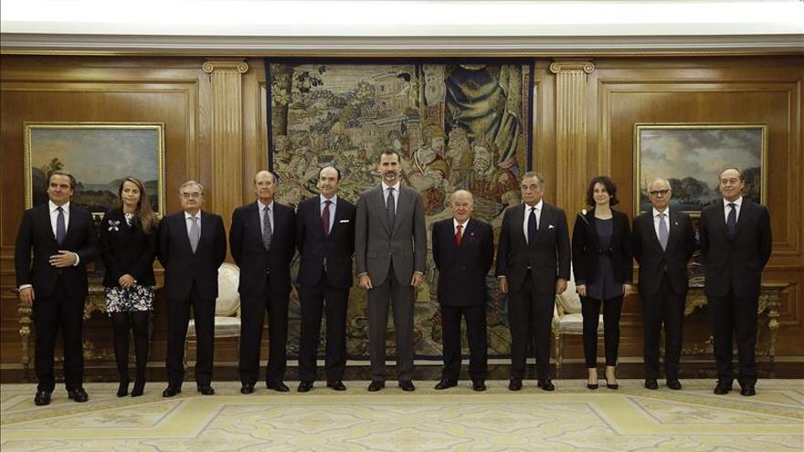 El rey celebra con los administradores civiles del Estado su 50 aniversario