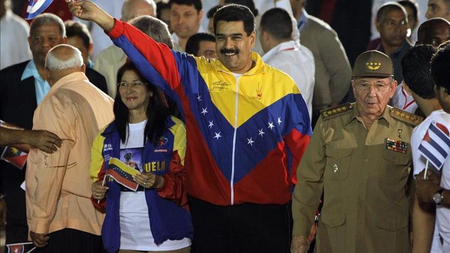 """Maduro se reunió dos horas con Fidel Castro y lo encontró """"feliz y rozagante"""""""