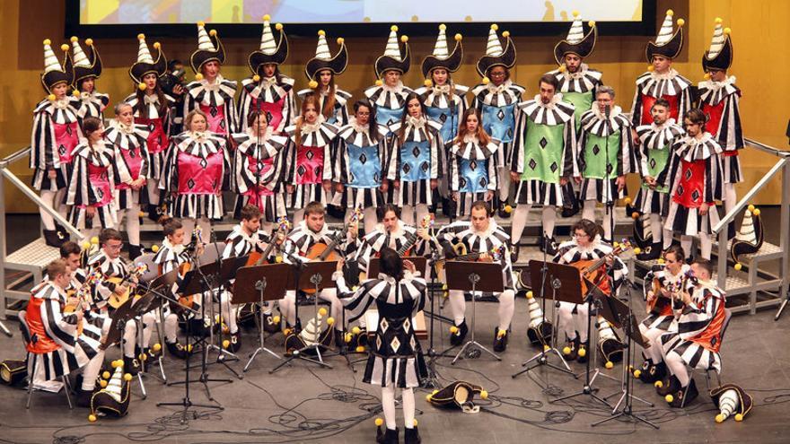 Troveros de Nivaria, ganadores del certamen de Rondallas del Carnaval de Santa Cruz de Tenerife / Organismo Autónomo de Fiestas