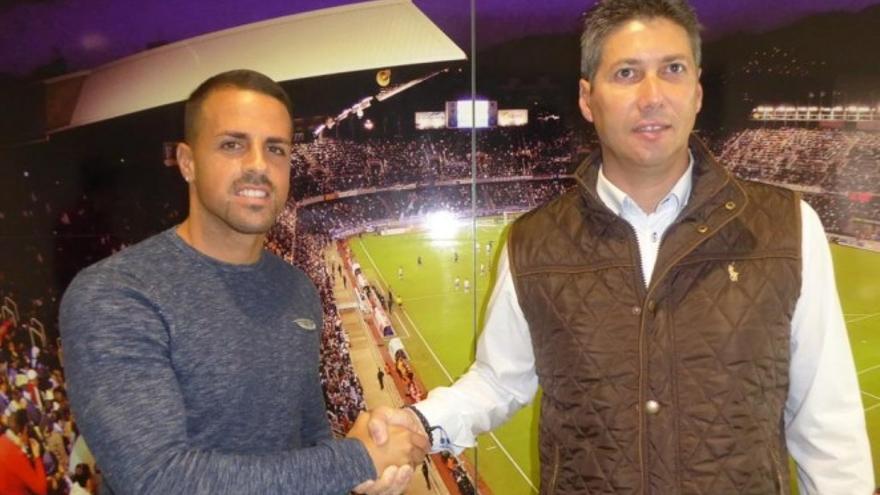 Vitolo renueva un año más su contrato con el Tenerife