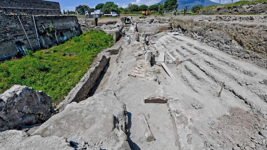 """Las excavaciones en Pompeya sacan a la luz tres nuevas """"domus"""" con balcones"""