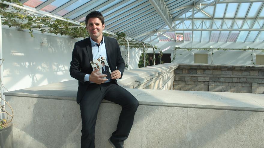 El periodista Jesús Cintora en el Parlamento de Cantabria.