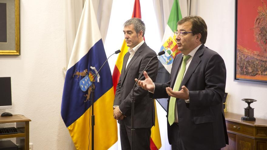 Vara y Clavijo piden a Rajoy una Conferencia de Presidentes y avisan de que promoverán una reunión si no se convoca