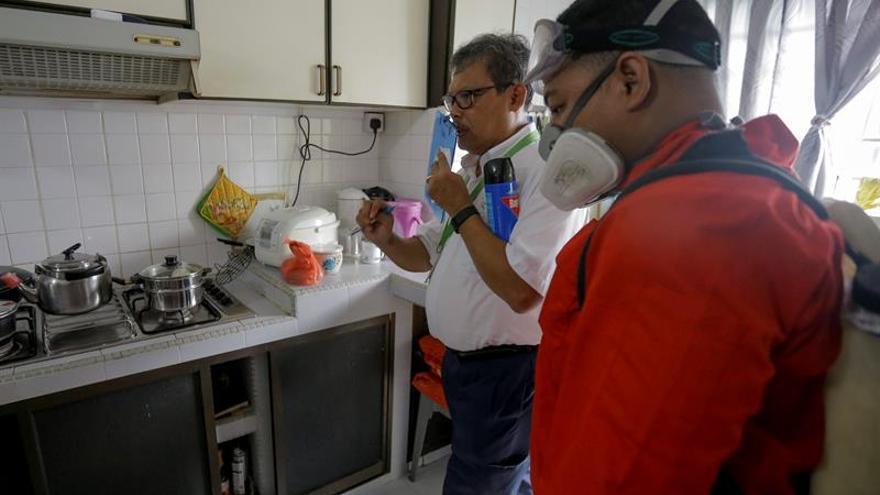 Malasia pide cooperación regional para atajar el brote de zika en Singapur