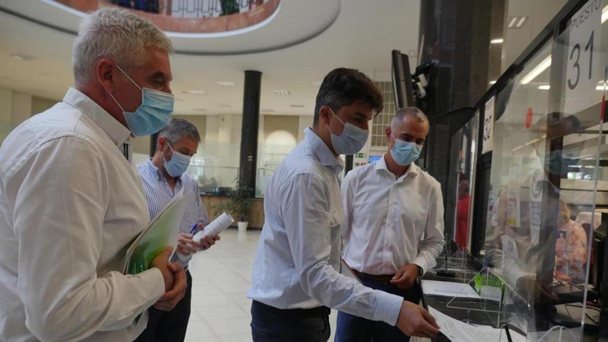 Fuentes-Pila, Ceruti, Fernández y Saro en el Registro del Ayuntamiento de Santander.