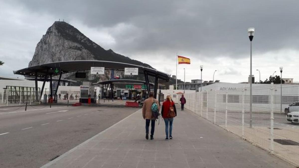 Paso fronterizo entre Gibraltar y España