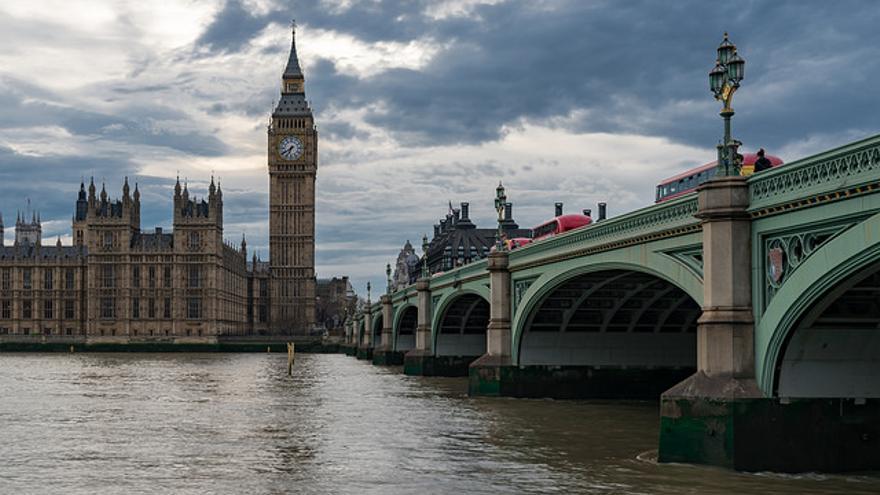 El Big Ben desde la orilla del Thames. Simon Darnell.