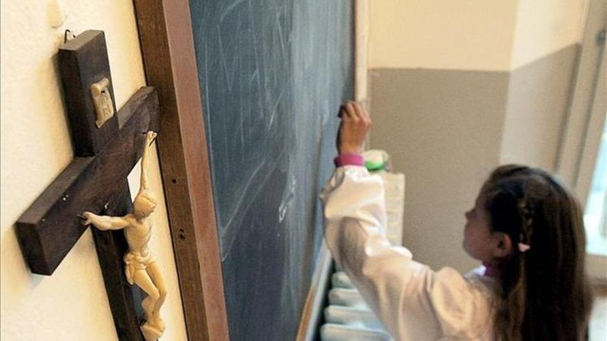 Los contenidos religiosos siguen estando presentes en las aulas aragonesas pese a que el Estado lleva más de 40 años declarado como aconfesional.