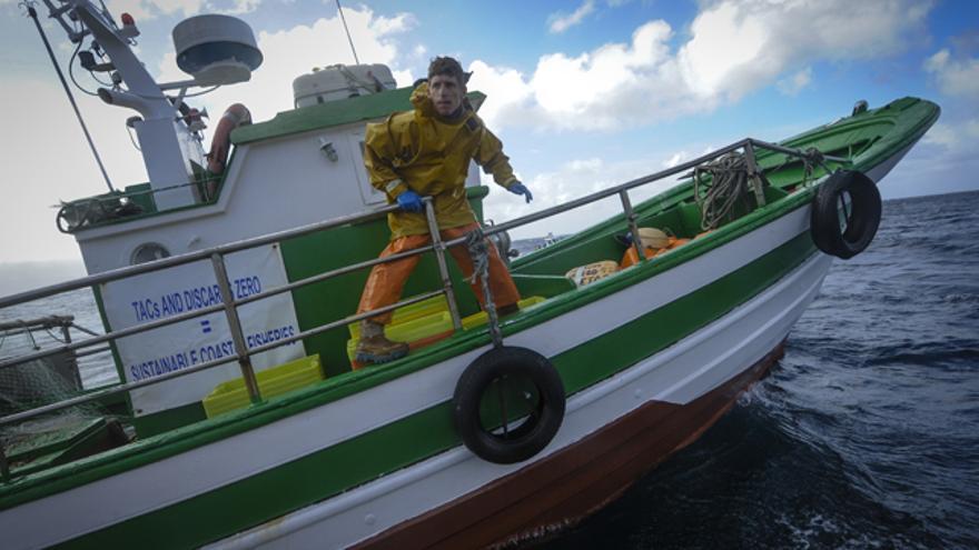 Los arrantzales denuncian que la política pesquera ataca al medio ambiente.