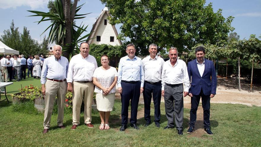 El president Ximo Puig y el conseller Vicent Climent con el presidente de la Cámara de Comercio, José Vicente Morata