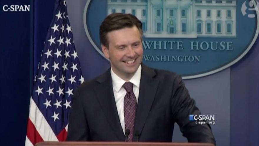 Josh Earnest, el portavoz de la Casa Blanca
