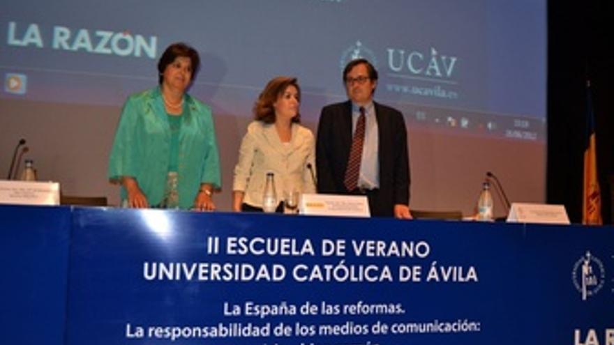 Sáenz De Santamaría En Los Cursos De La UCAV