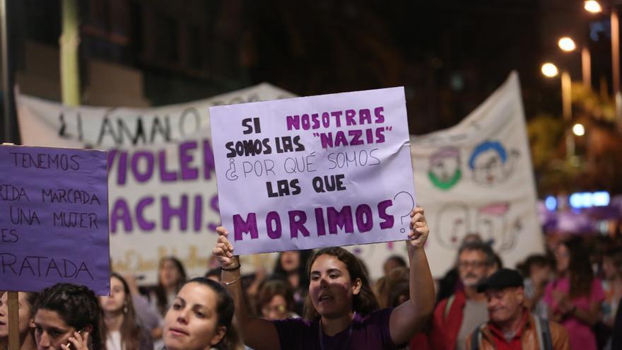 Movilización feminista en Las Palmas de Gran Canaria por el 25N. (Alejandro Ramos).