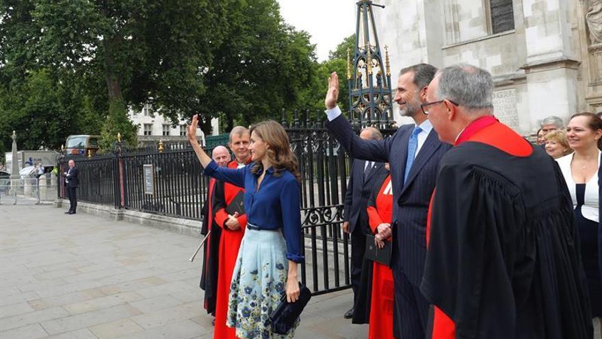 La comunidad española en el Reino Unido recibe con entusiasmo la visita real